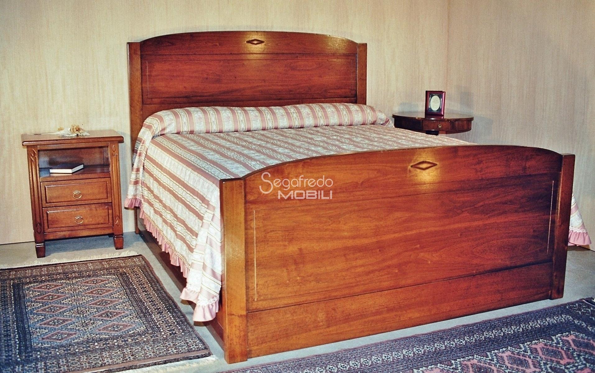 Letti Matrimoniali Con Cassetti Laterali letto matrimoniale in legno massello con cassettoni laterali