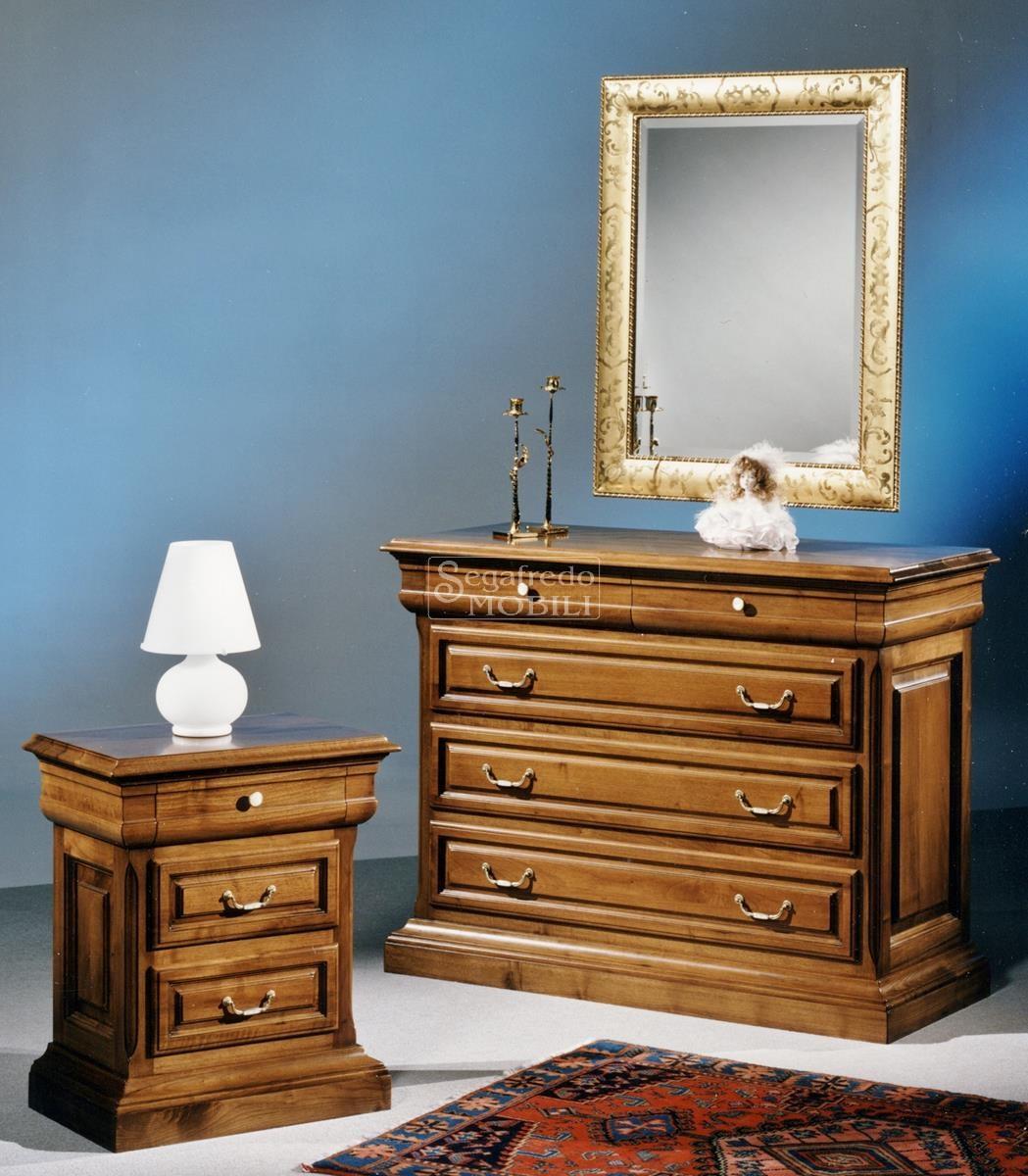 Com e comodino in legno massello mod katia con for Katia arredamenti