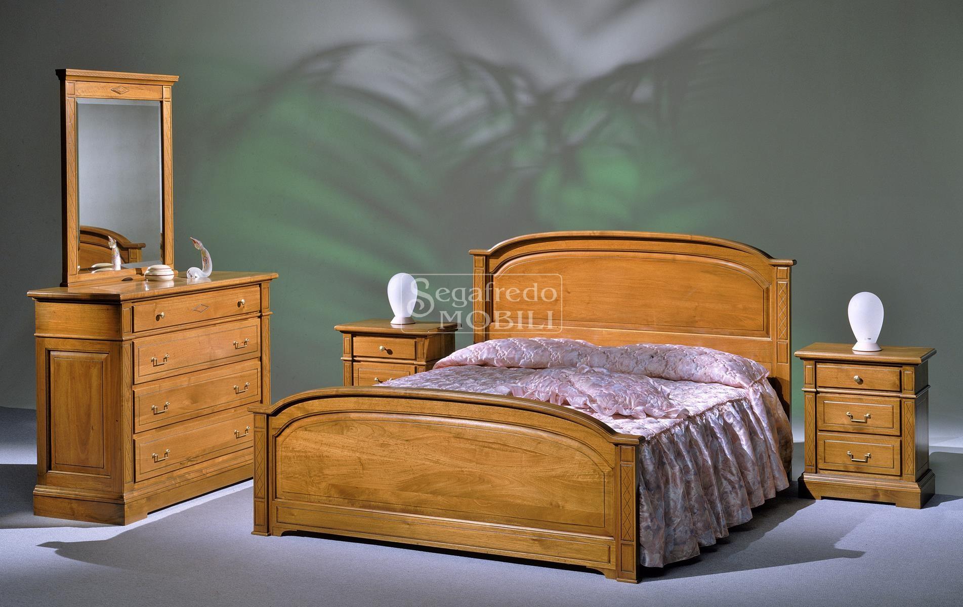 Camera da letto matrimoniale linea elena in legno massello for Camera matrimoniale in legno