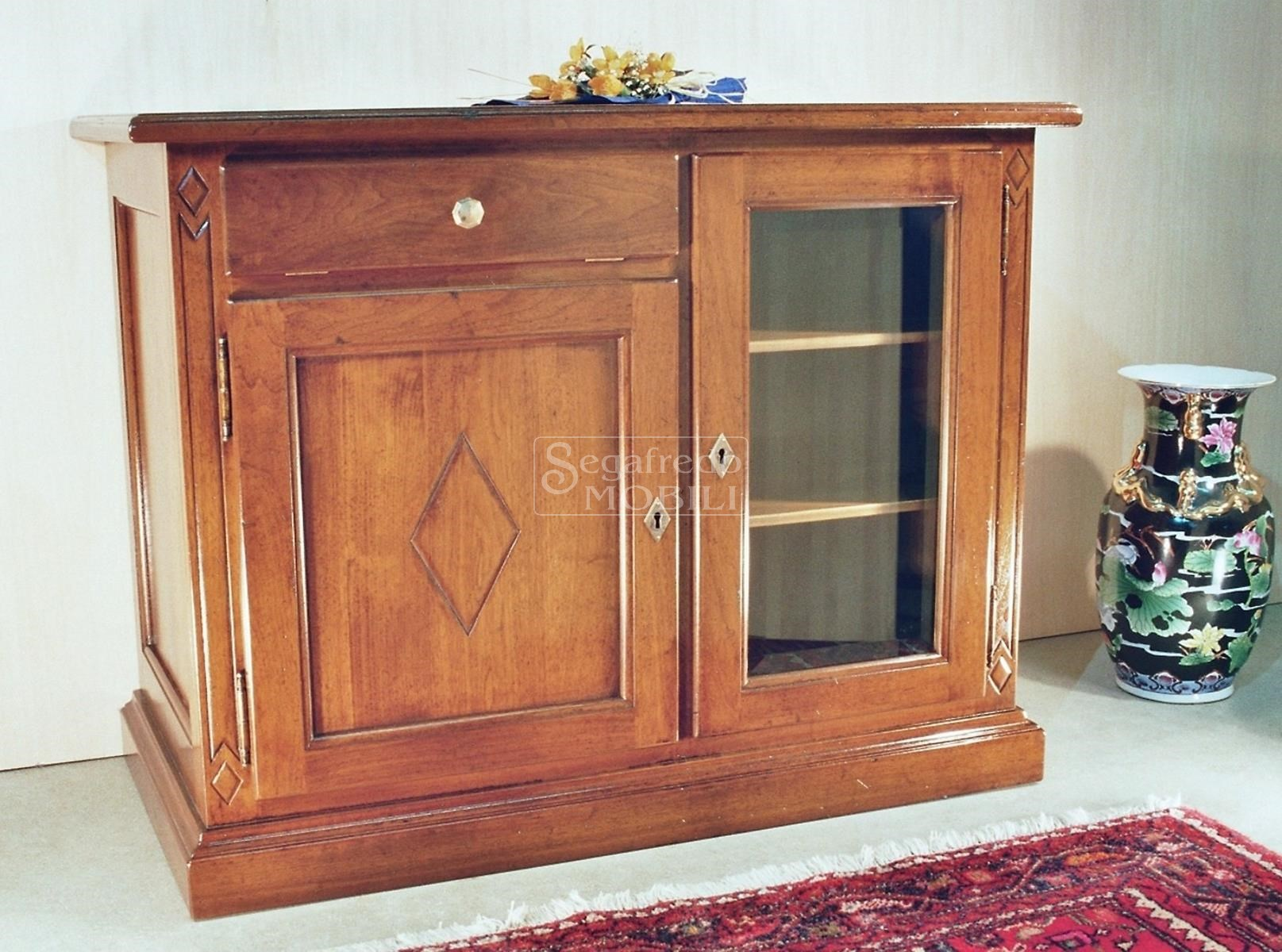 Porta tv in legno massiccio con anta in vetro per - Mobili porta tv in vetro ...