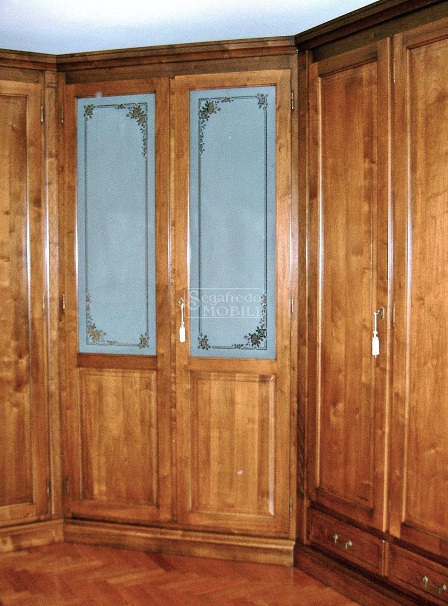 Armadio in legno massello a parete a 7 ante battenti completo di ...