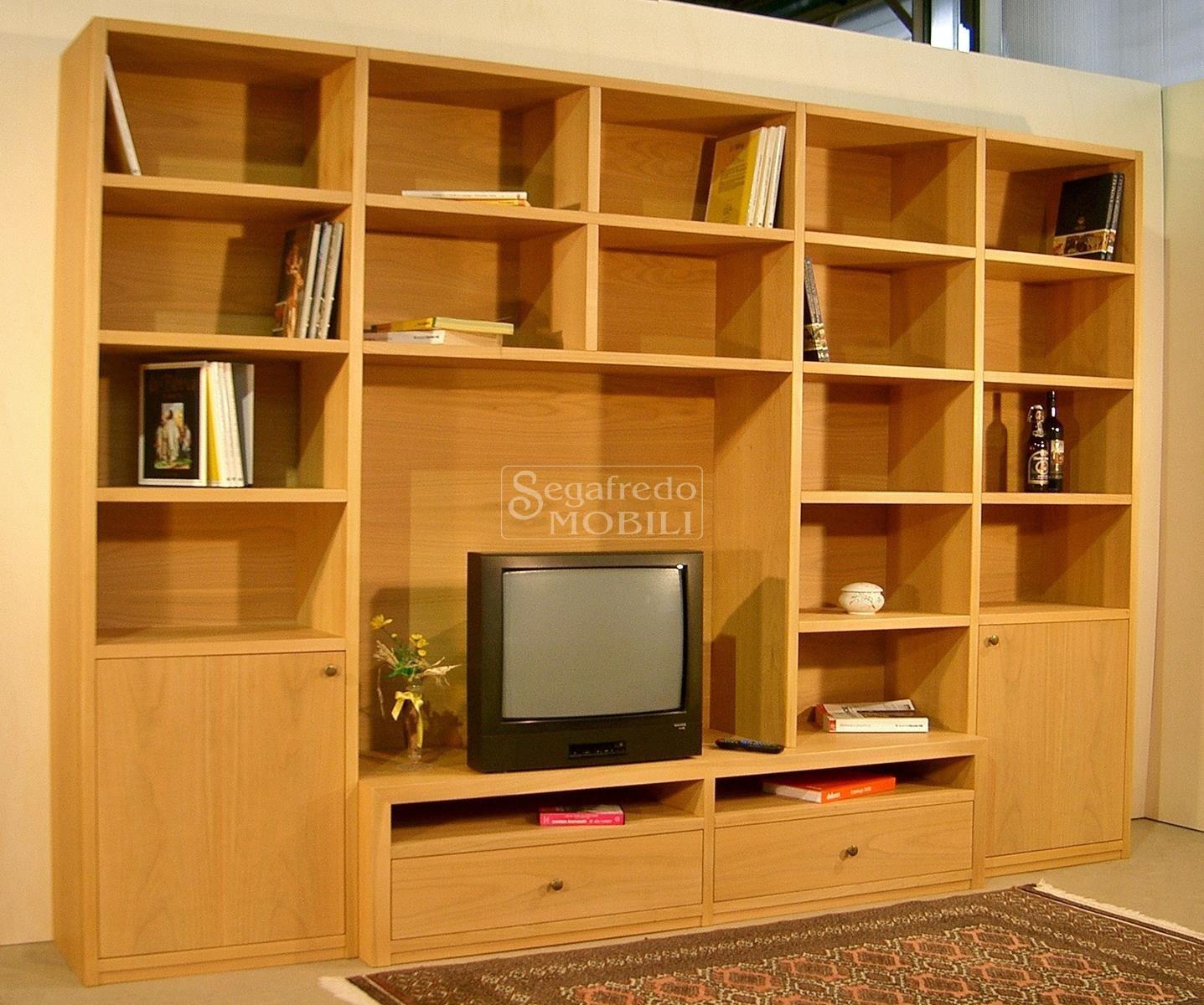 Mobile su misura a parete per il soggiorno o lo studio - Mobili soggiorno su misura ...