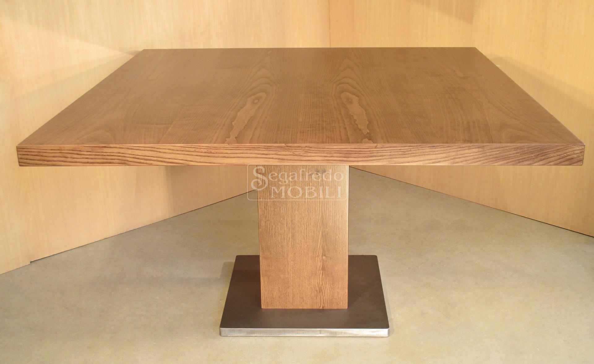 Tavolo in legno di frassino tinto mobilificio segafredo for Tavolo legno frassino