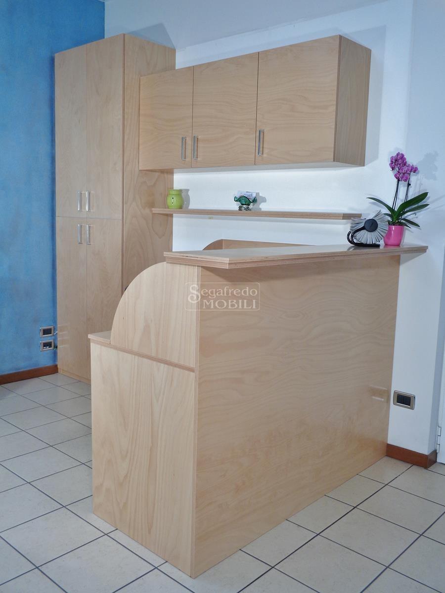 Proposta soluzione di arredo per ufficio mobilificio for Mobili progettati su misura