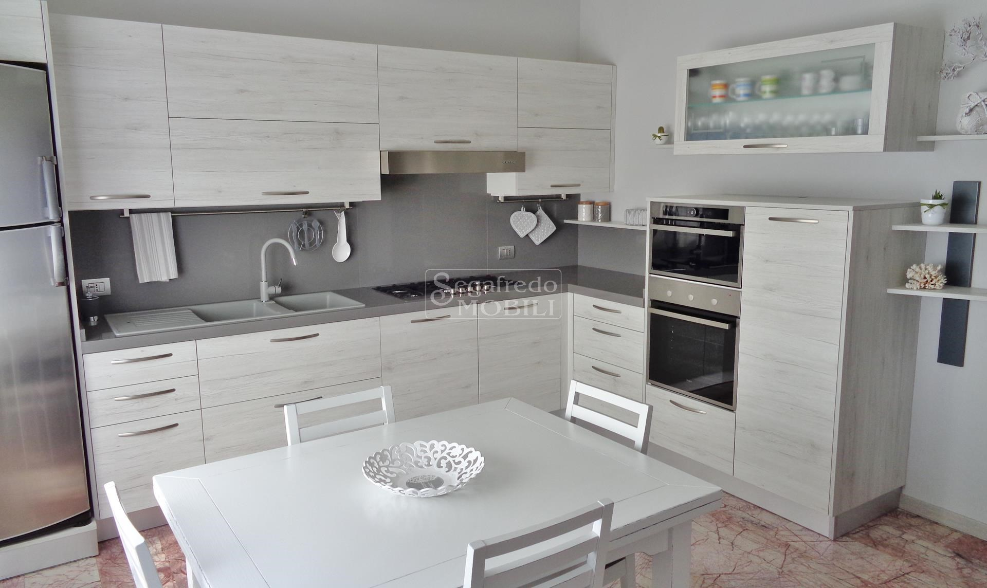 Beautiful Cucine Moderne Rovere Sbiancato Ideas - Comads897 ...