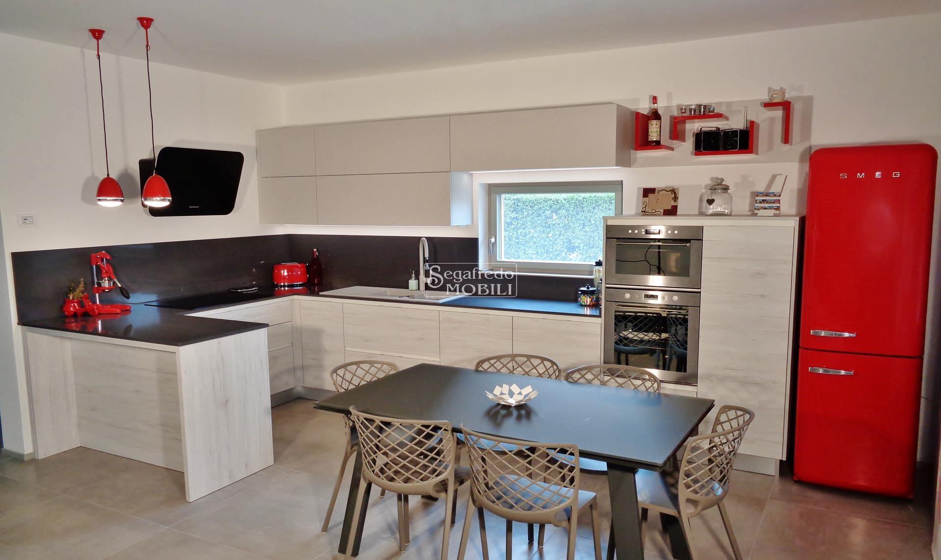 Cucina Legno E Bianco cucina finitura rovere sbiancato e pietra bianca